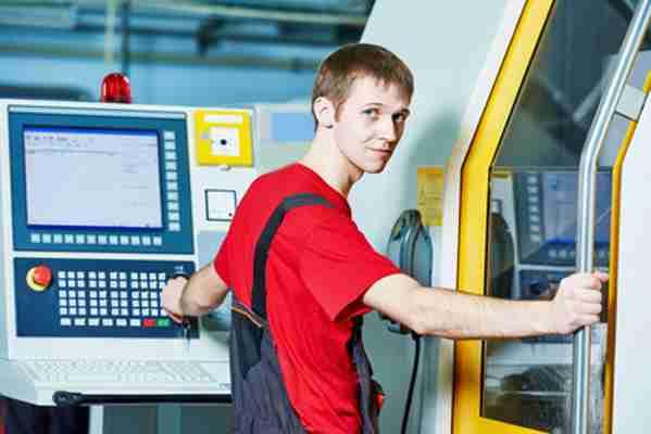 Operator CNC - czy warto nim zostać